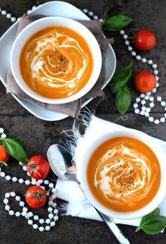The tastiest recipe for creamy tomato soup. Creamy tomato soup is really everyone& friend and this one with tasty sun-dried tomatoes in it: just a little more special than a regular tomato soup. Lunch Restaurants, Soup Recipes, Healthy Recipes, Healthy Soup, Recipies, Good Food, Yummy Food, Sandwiches For Lunch, Healthy Pumpkin