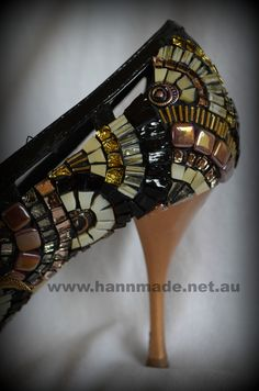 """Rose Gold Shoe"" by Cheryl Hann-Woodlock mosaic artwork: detail, back of shoe with glass, beads. Mosaic Glass, Mosaic Tiles, Stained Glass, Mosaic Crafts, Mosaic Projects, Rose Gold Shoes, Glass Shoes, Beaded Shoes, Mosaic Artwork"