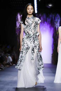 Tadashi Shoji Ready To Wear Spring Summer 2016 New York - NOWFASHION