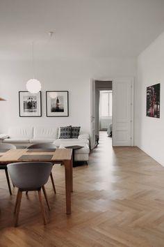 Wohntraum im Servitenviertel - Wiener Wohnsinnige Homestory House Tours, Love Seat, Homes, House