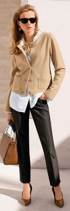 OUTFITS PARA LA OFICINA O UNA CITA DE NEGOCIOS Hola Chicas!! Como lograr un estilo de moda ejecutiva que lo es ideal para aquellas mujeres que tienen que estar más que impecables, ya sea porque tienen un cargo importante o estratégico en la Organización, o bien por su rol social. Para lograr un look ejecutivo súper elegante, debes usar siempre ropa de buena calidad, tanto botines o zapatillas de tacón para este otoño-invierno y sobre todo bolso de buena
