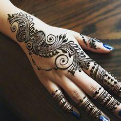 By @minal_beauty #mehndi #mehndiart #mendhi #mehendi #mehendiart #hennaartist #hennadesign #mehndiartist #mehndidesign #hennafun #hennalove #hennaworld #hennaobsessed #hennaobsession #hennastrip #hennatattoo #beautiful #love #art #instahenna #instaart #artist #hennaparty #hennainspo #inspiration #hennaworld #engagementhenna