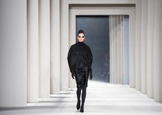 Carolina Herrera Collection Fall-Winter 2014-2015 Model: Karlie Kloss Photographer: Maryna Marston www.SquareEarthStudio.com  Mercedes Benz Fashion Week - New York Fashion