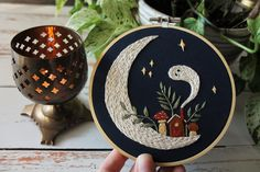 Christmas Embroidery Patterns, Halloween Embroidery, Needlepoint Patterns, Cross Stitch Patterns, Dmc Embroidery Floss, Modern Embroidery, Embroidery Art, Embroidery Designs, Simple Embroidery