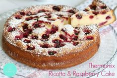 This really is the perfect cake! This Thermomix Ricotta & Raspberry Cake is sure to impress. *note: half the sugar Baking Recipes, Cake Recipes, Dessert Recipes, Raspberry Ricotta Cake, Raspberry Cake Recipe Easy, Ricotta Cheesecake, Thermomix Desserts, Winter Desserts, Queso