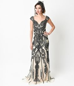 1930s Style Black & Nude Cap Sleeve Beaded Fitted Evening Gown 2016 Prom Dresses