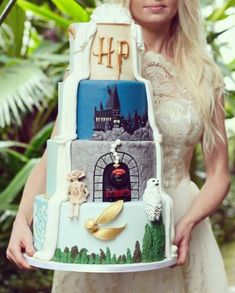 Harry potter themed wedding cakes for the nerd in you Harry Potter Torte, Harry Potter Wedding Cakes, Funny Wedding Cakes, Themed Wedding Cakes, Harry Potter Birthday, Harry Potter Hogwarts, Birthday Cake Illustration, Cupcake Illustration, Ravenclaw