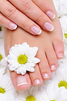 How to do pedicure tips at home naturally. Pedicure tips how to do at home step by step. Best home pedicure tips and treatment for your feet at home soak Argan Oil For Hair Loss, Biotin For Hair Loss, Baby Hair Loss, Nail Conditions, Finger, Nagel Hacks, Homemade Beauty Tips, Broken Nails, Brittle Nails