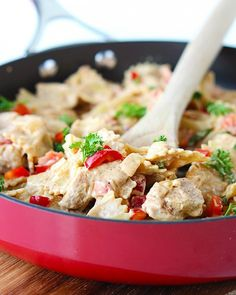 Easy Dinners in Under 30 Minutes Cajun Chicken Pasta Skillet: We love Cajun food just as much as the next gal, but we especially love this recipe because it includes homemade Cajun seasoning. Do you even realize how much flavor this could bring to your kitchen?