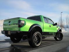 Ford Raptor. *want it. Love for fords and green = good combination. <3