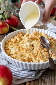 Apfel Crumble - Apple Crumble - Rezept - Sweets & Lifestyle® # Food and Drink appetizers desserts Apfel Crumble - Apple Crumble - Rezept - Sweets & Lifestyle® Vegetarian Appetizers, Appetizer Recipes, Vegetarian Recipes, Healthy Recipes, Vegetarian Lifestyle, Recipes Dinner, Apple Dessert Recipes, Apple Crisp Recipes, Heart Healthy Desserts