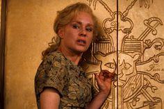 Romeo – Juliet: The Erosion of Juliet in Baz Luhrmann's Romeo + Juliet Diane Venora, Film Romeo And Juliet, Lady Capulet, Baz Luhrmann, The Past, Actors, Movies, Films, Image
