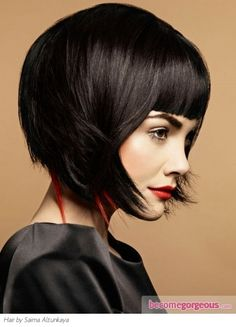 Add an exciting flair to your look with this fabulous medium Bob haircut. Use asymmetry to inject natural movement and volume into your locks.