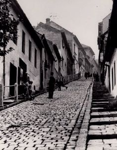 gül baba utca, budapest, 1930 Old Pictures, Old Photos, Capital Of Hungary, History Photos, Most Beautiful Cities, Budapest Hungary, Historical Photos, Tao, Landscapes
