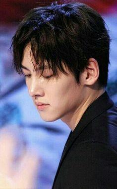Ji Chang Wook / Jesus, he looks SO good here. Korean Actresses, Asian Actors, Korean Actors, Actors & Actresses, Korean Dramas, Ji Chang Wook, Yong Pal, Lee Bo Young, Empress Ki