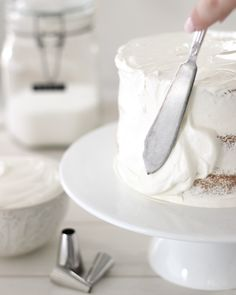 Swiss Meringue Buttercream, Buttercream Recipe, Frosting Recipes, Fluffy Vanilla Cake Recipe, Cheesecake Recipes, Dessert Recipes, Pie Recipes, Meringue Suisse, Kitchens