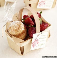 Berry Basket favors (berries and scones) for a party, picnic or just because- adorable! Summer Wedding Favors, Wedding Favours, Wedding Themes, Wedding Blog, Diy Wedding, Wedding Day, Wedding Gifts, English Wedding Favors, Wedding Photos