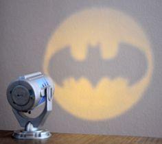 Das Bat-Signal für den Schreibtisch - Gotham City braucht Dich!