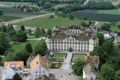 Luftaufnahme des Neuen Schlosses Tettnang von Nordosten