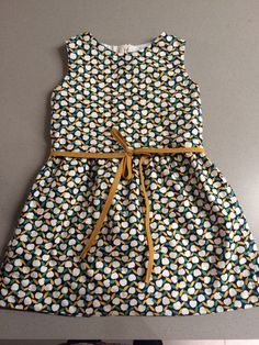 Baby dress easy children 47 ideas for 2019 Sewing Kids Clothes, Clothes Crafts, Sewing For Kids, Little Girl Dresses, Girls Dresses, Girlie Style, Stylish Kids, Cute Baby Shoes, Retro Dress