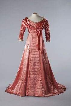 Fripperies and Fobs Evening dress, 1909  From the Chertsey Museum via the Edwardian Culture Network