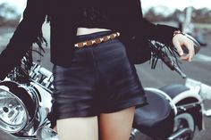 www.veronicab.com Veronica, Leather Skirt, Campaign, Mini Skirts, Winter, Clothes, Fashion, Winter Time, Outfits