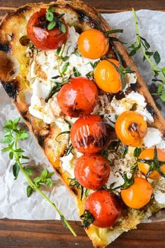 Grilled Cherry Tomato and Goat Cheese Bruschetta - It's high summer, tomatoes are at their peak, and the grill can be fired up at a moment's notice; this is a delicious way to take advantage of all that. Tomato Bruschetta, Bruschetta Recipe, Bruschetta Bar, Healthy Grilling Recipes, Cooking Recipes, Vegetarian Recipes, Healthy Food, Tostadas, Bruchetta