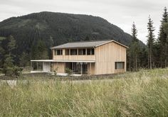 http://www.baunetz.de/meldungen/Meldungen-Wohnhaus_von_LP_Architektur_4830683.html
