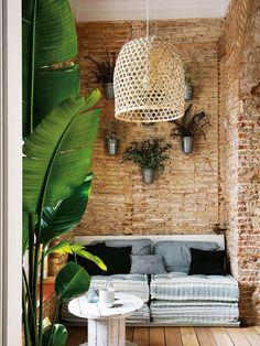 nowoczesna-STODOLA_mieszkanie-w-XIX-kamienicy-w-barcelonie-marta-castellano-mas_06