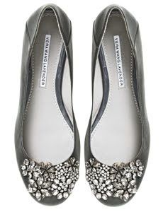 Love these grey Vera Wang jeweled flats. It should be sold in stores again.