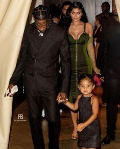 Kris Jenner, Travis Scott Kylie Jenner, Kardashian Jenner, Robert Kardashian, Kendall Jenner Photos, Vanity Fair Oscar Party, Celebs, Celebrities, Business Women