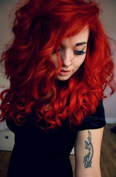 looks rojo cabello