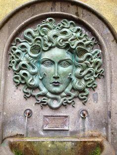 Nemi nel  Lazio : palazzo baronale