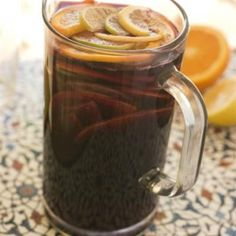 Σπιτική σαγκρία My Favorite Food, Favorite Recipes, Greek Recipes, Sangria, Mason Jars, Coffee Maker, Food And Drink, Alcohol, Homemade