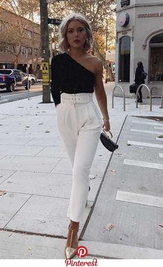 Schwarzes One-Shoulder-Longsleeve weiße Hose mit hoher Taille goldene Pumps. Datum n day outfit for work Schwarzes One-Shoulder-Longsleeve, weiße Hose mit hoher Taille, goldene Pumps. Datum n - Hair Styles Casual Night Out Outfit, Girls Night Out Outfits, Valentine's Day Outfit, Winter Night Outfit, Date Outfit Fall, Date Night Outfits, Dinner Party Outfits, New Years Outfit, Evening Outfits