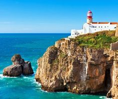 Lighthouse of Cabo Sao Vicente, Sagres (built in october 1851) | 11 Must-See attractions in Portugal