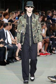 Givenchy Spring-Summer 2017 - Paris Fashion Week #PFW