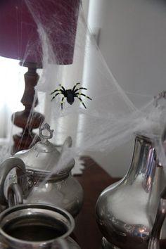 C'est Halloween ! Oui c'est ça, le truc où on passe sa soirée à se faire peur, sans trop savoir pourquoi. Les sorcières, vampires et autres araignées sont à l'honneur pour cette fête qui célèbre le go