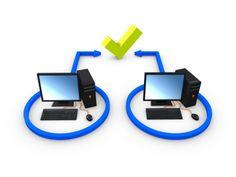 """¿Qué es P2P? (Peer-to-peer).- Esto no se deben confundir con las """"punto a punto"""", son aquellas en las que no existen clientes ni servidores fijos, sino que los ordenadores funcionan como nodos que se comportan de la misma manera entre ellos actuando como clientes y servidores al mismo tiempo para permitir el intercambio directo de información."""