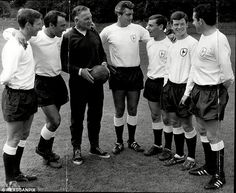 Tottenham manager Bill Nicholson with players Cliff Jones, Jimmy Greaves, Dave Mackay, Paul Shoemark and Stephen Pitt in 1965