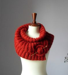 Handknitting cowl/capelet in hot red. Super soft Italian kid mohair. - Handmade - Clasp and Wood pin - Luxuriously soft