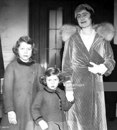 December The Duchess of York (later the Queen Mother) arriving at London+s Albert Hall with Princess Elizabeth, later Queen Elizabeth II, and Princess Margret to attend the Royal Choral society+s Christmas concert (Photo by Popperfoto/Getty Images) Young Queen Elizabeth, Lady Elizabeth, Princess Elizabeth, Princess Margaret, Margaret Rose, Hm The Queen, Her Majesty The Queen, Queen Mary, Beatrice Borromeo