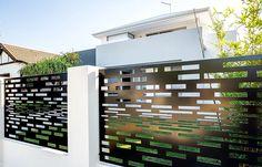 Somos especializados no desenvolvimento de projetos em Metal Design para áreas da Arquitetura e Decoração. Atendemos todo Brasil.