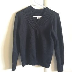 BLACK SWEATER This plain black sweater is perfect for LOOKING fabulous and feeling COMFY COZY! Sweaters