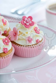 Image detail for -Royalty Free Image of Flower Cupcakes