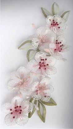 Ornela Bobbin Lace Patterns, Embroidery Patterns, Hand Embroidery, Crochet Wall Art, Crochet Doily Rug, Needle Tatting, Needle Lace, Lace Flowers, Crochet Flowers