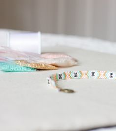 Pour le DIY - Bracelet Perles Miyuki, nous avons utilisé la technique Peyote pour une raison simple...