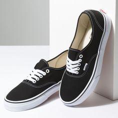 Vans Authentic Black Low-Top Lace Up Skate Shoes Black Low Top Vans, Black Vans, Black Shoes, Skate Shoes, Vans Shoes, Shoes Jordans, Oxford Shoes, Shoes Sneakers, Top Shoes