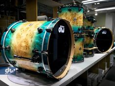 A Beautiful Sky Blue Burst over Mapa Burl. What does this make you think of? #dwusa #dwdrums #drumworkshop #beautiful #skyblue #black #drum #drums #drumming #drummers #instagram #drummerslife #instagood #instagram #music #dope #follow #drumporn #blue #sky #mapa #burl #thoughts #like by realsamueldrums
