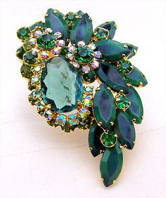 Verified-D-E-Juliana-Pink-Green-Rhinestones-Green-Art-Glass-Stone-Brooch-Pin
